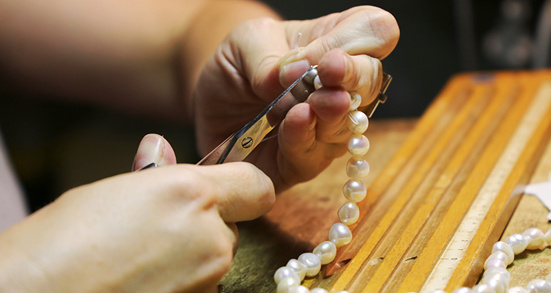 Repairing a Pearl necklace